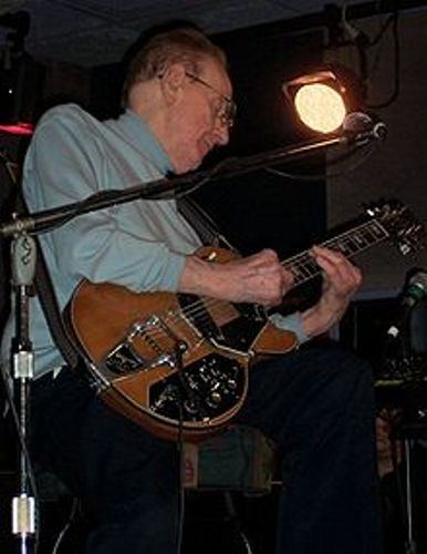 Les Paul in 2004