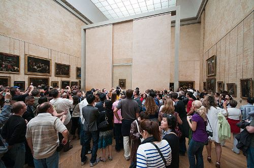 Facts about Louvre Museum