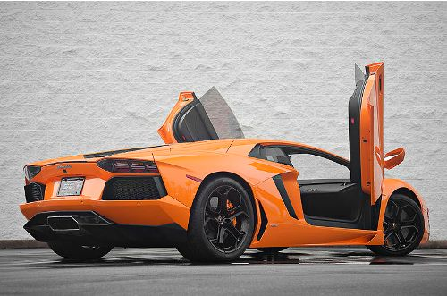 facts about lamborghini aventador