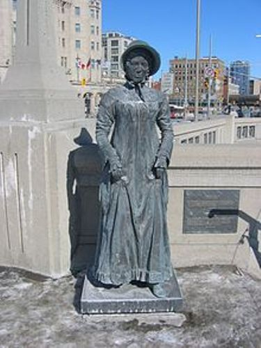 Laura Secord Statue